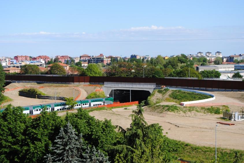 Area fra nuovo svincolo di Paderno, viabilità locale, ferrovia FNM e fiume Seveso